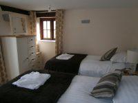 Nest Barn Twin Room